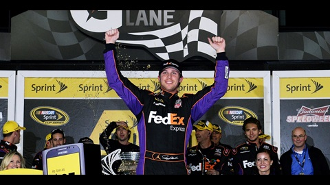 Hamlin Survives Wreckfest in NASCAR Sprint Unlimited