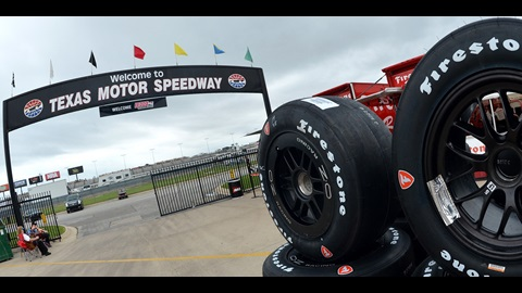 IndyCar Battles Under The Lights This Weekend in Texas