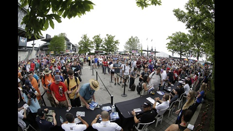 Full field autograph session in the Pagoda Plaza on Legends Day presented by Firestone